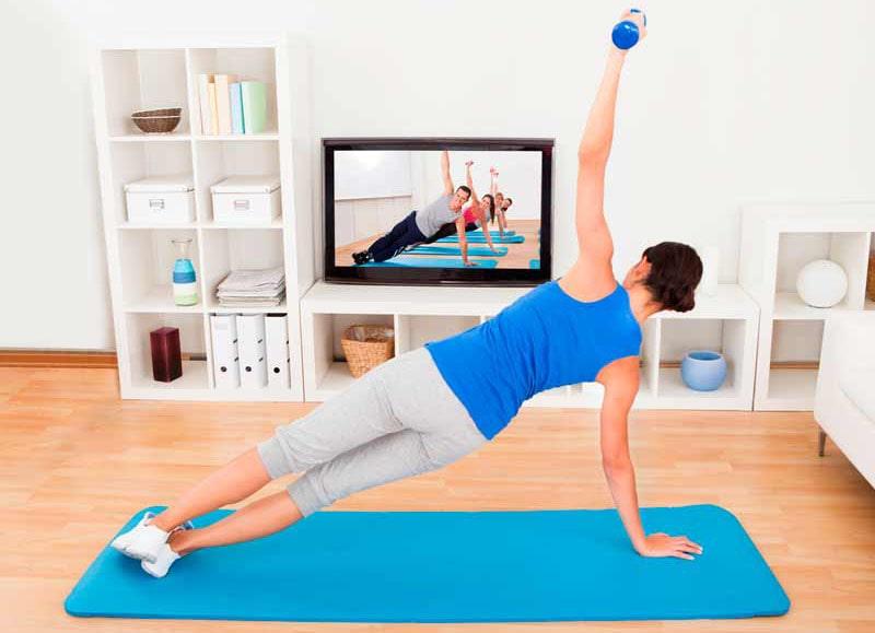 ورزش در خانه با دمبل